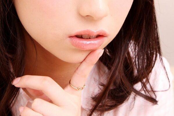 ちょっと待って!あなたの唇、黒ずんでませんか?知っておきたい4つのポイント