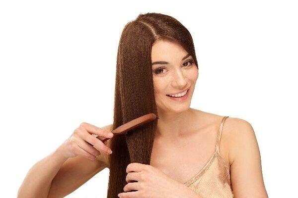 ブラッシングは女子のたしなみ!日頃のひと手間でさらつやヘアに。
