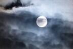 【七曜星風水】彼ママに気に入られたいなら「月のパワー」を使おう