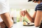 男を虜にさせるのは手のかかる子!?『ティファニーで朝食を』から見るモテ女性の特徴