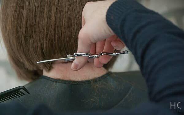 失恋して髪を切ると起こる良い効果とは?自分に合う&男性ウケの良い髪型も紹介