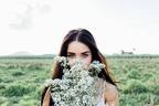 手が出しにくい...!男性が「高嶺の花」だと感じる女子の特徴