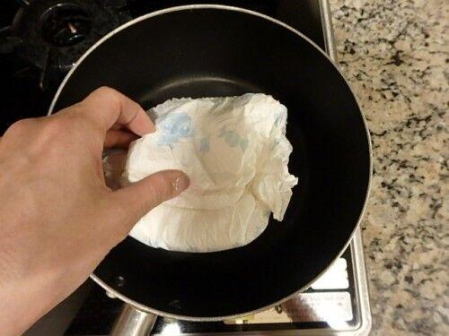 緊急時にも役立つ!「余った紙オムツ・生理用ナプキン」の意外で便利な活用法