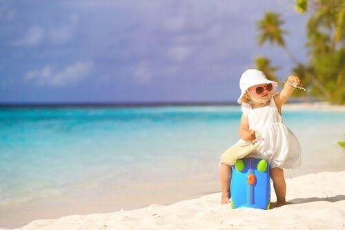 夏休みに向け今から準備したい!無いと困る「赤ちゃん連れ旅行」マストアイテム6選