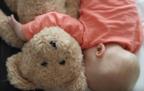 足音たてない忍術!? 動画で学ぶ必殺技「赤ちゃん起こさず抜け出す」4つのテクニック