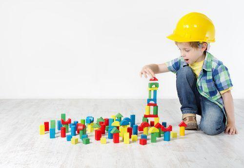 """めざせ""""空間図形マスター""""!算数・数学が得意になる「積み木の効果的な遊び方」3つ"""