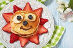 """子どもと一緒に""""パンケーキ""""を英語でオーダーも!「3歳児が英会話を日常で楽しむ方法」3つ"""