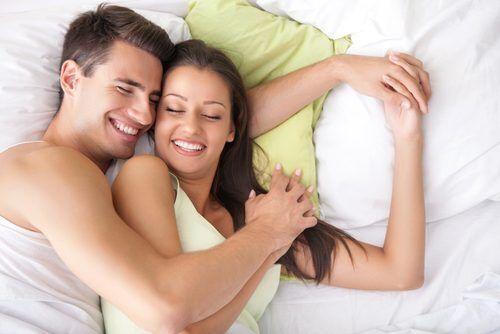 """寝室が別だと産後クライシスに?""""冷房戦争""""を避ける夏の「夫婦円満睡眠」4つの対策"""