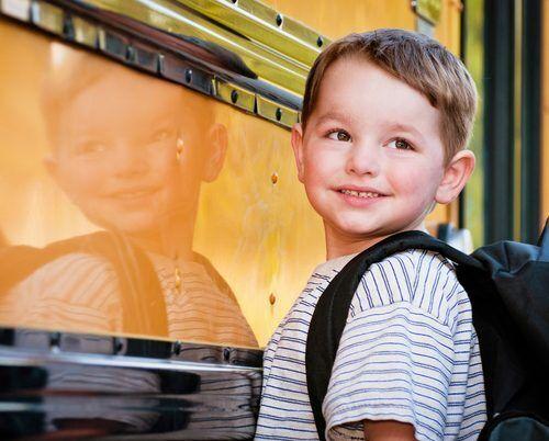 ママ友トラブルは園バス停で起こってる!? 知っておきたい「幼稚園の送り迎え事情」