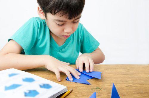 2歳からできる!知育になる「おり紙」の遊び方3つ