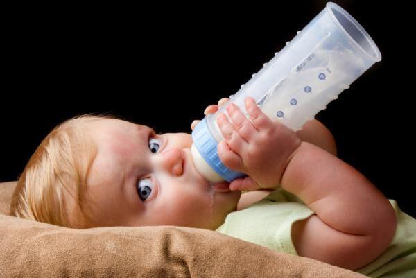 災害時にも備えたい「液体ミルク」がそろそろ解禁になるかも…!