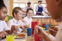 話題のブラック保育園の「一口のおかず」と1~2歳児が1日に必要な栄養は?