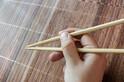 今のうちに直して!「お箸のNG持ち方」と今すぐできる練習方法