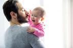 それは突然やって来る!赤ちゃんが「パパ見知り」する時期と原因