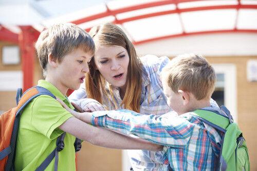 「ウチの子がお友達に手を出した!」ママがすべき4つの対応