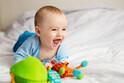 【保育士オススメ】赤ちゃんの「視覚・聴覚・触覚」をグングン育てる遊び3つ