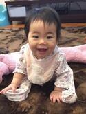 【生後6~9ヶ月】ママの膝を離れて「1人でおすわり」に挑戦!練習方法と注意点