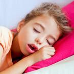 【Q&A】イビキ・無呼吸が成長に影響!?「子どもの扁桃肥大」とは?