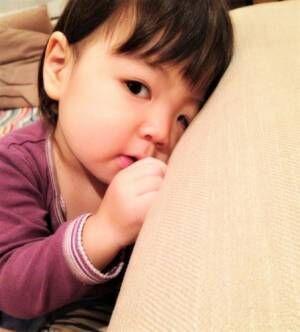ハサミで子どもが指を切っちゃった…!取れにくい絆創膏の貼り方【指編】