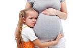 イヤイヤ期と出産が重なる!「2歳差きょうだい」のメリット&デメリット