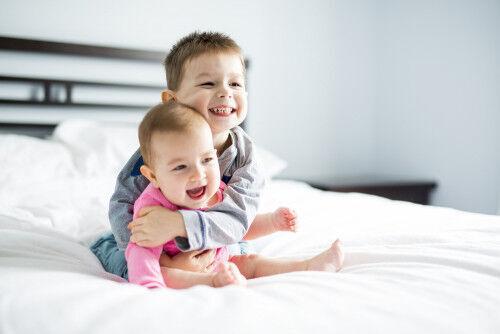 育てやすいって本当?「2歳差兄弟」のメリット・デメリット