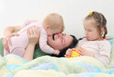 上の子の赤ちゃん返り対策!「ジェラシーが抑まる」魔法の言葉4つ