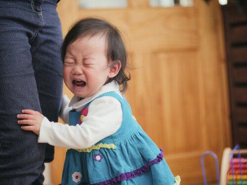 ギャン泣きで意識を失う!? 「憤怒けいれん」の原因と対処法は?