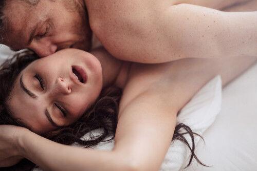 私だって本当は…「夜の夫婦生活のマンネリ」を脱却するヒケツとは?