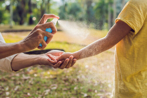 虫に刺されやすい気候って?「刺されやすい人の特徴」と対策5つ