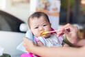 ママの悩み…赤ちゃんの「食べムラ」いつから始まる?原因と対策