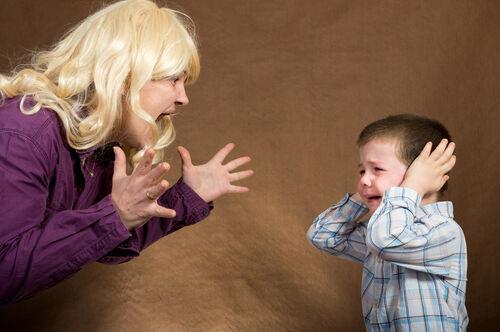 親がイライラする・怒鳴ることで「子どもの心」に及ぼす影響
