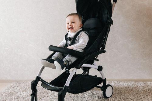 ギャン泣き赤ちゃんも笑顔に!?「ベビーカー嫌い」を克服する秘策とは?