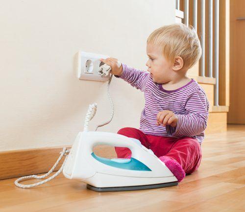 【乳幼児の事故】7割が家庭内で発生!年齢別にチェックしたい「事故TOP3」