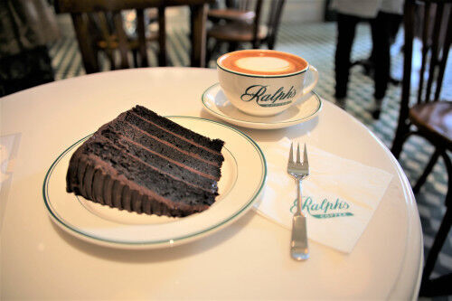 表参道イルミネーション立ち寄りスポット!ラルフローレンの「Ralph's Coffee」&絶品チョコケーキ♡
