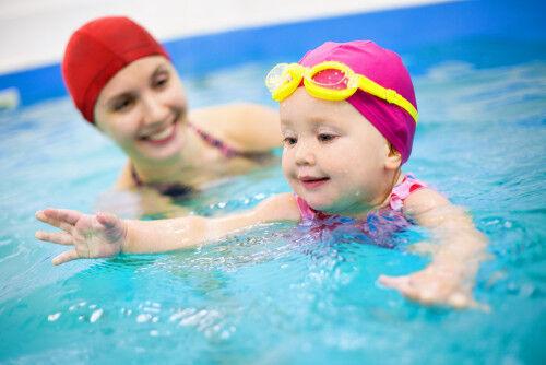 英語・水泳・リトミック…0歳児ママは「人気の習い事」から何を選ぶ?