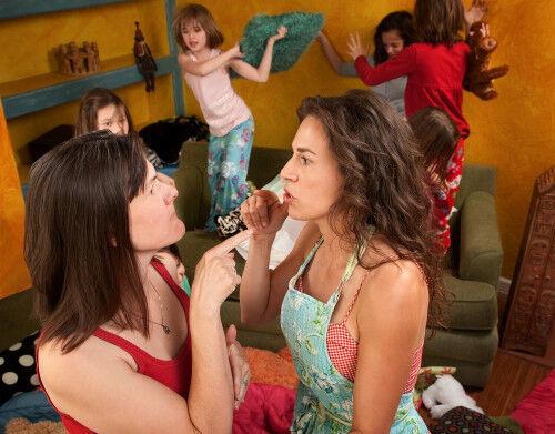 子の迷惑行動を注意しないママ友に「イラッ」としたらどうすべき?