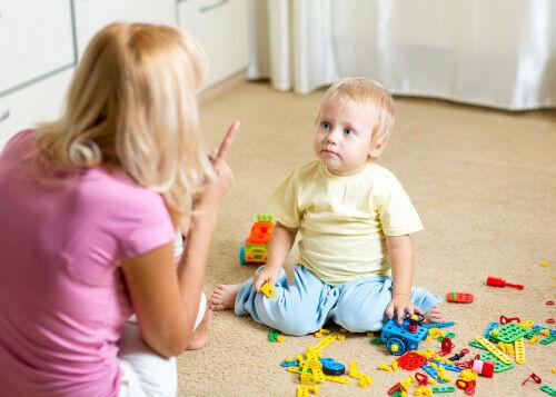 叱るのは無意味だった!? 「わざと親を困らせる子」へのNG行動