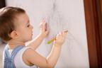 うわっやられた…!家の壁の「落書き・シール汚れ」レスキュー方法3つ