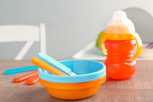 子ども用食器はおとな用と一緒に洗える?マグ・食器を清潔に保つコツ