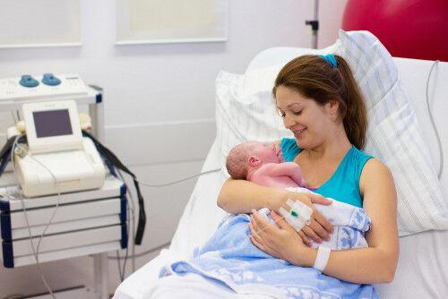 「水中分娩」ができる都内の産院4選&産院選び方のポイントとは