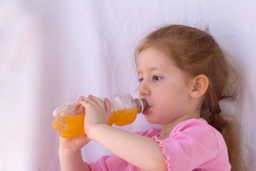 炭酸飲料の成分は?何歳から飲ませていいの?