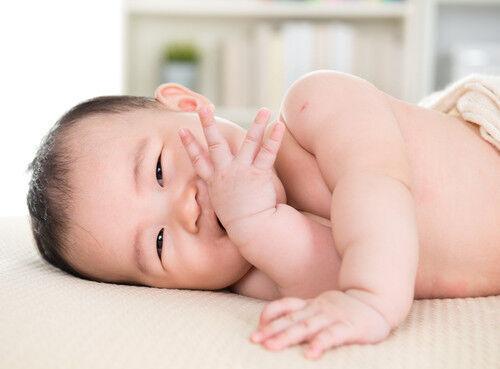 赤ちゃんから「母乳」が出るってホント?時期とその理由
