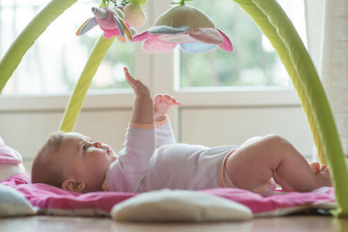 乳幼児期こそ気をつけたい!「好奇心の芽を摘む」親のNG対応3つ
