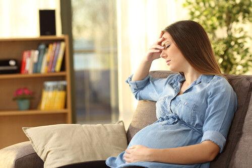 妊娠期に汗をかきやすくなるのはなぜ?問題はないの?