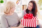 母の日に夫が「義母にプレゼントを贈らなくていい」と言ったら…あなたはどうする?