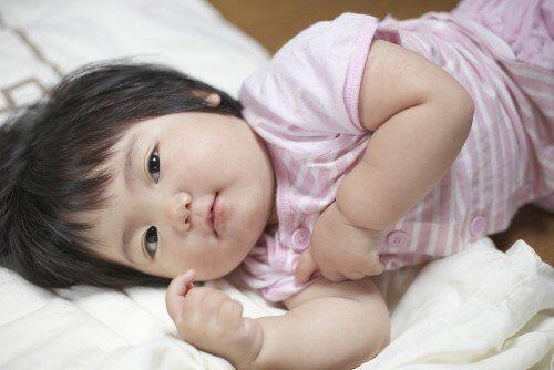 保育士さん、お昼寝の時間に「寝たがらない子」どうしてますか?
