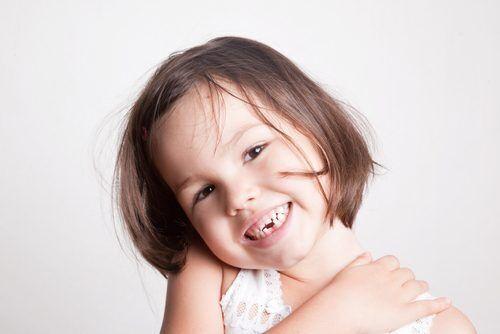 5歳頃から抜け始める!? 歯科医ママがおすすめの「乳歯保管ケース」5選