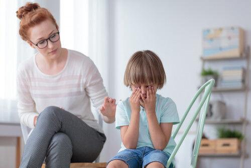 ママがイライラをぶつけても逆効果!「すぐ泣く子」へしてあげたい3つの対応