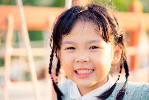 【保育園・幼稚園】「服に穴を開けないで名札をつけられる」便利アイテム10選