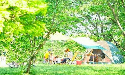 大自然に囲まれて心も体もリフレッシュ!家族で行きたいキャンプ&豪華グランピング